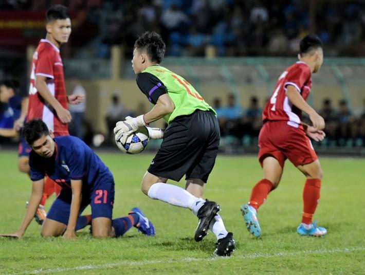 Người nhện của U19 Việt Nam được kỳ vọng thành công hơn cả đàn anh Đặng Văn Lâm - Ảnh 3.