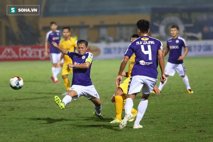 Quang Hải lập siêu phẩm, Hà Nội FC dễ dàng đè bẹp SLNA - Ảnh 3.