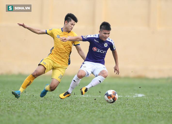 Đình Trọng dính thẻ đỏ, Hà Nội FC thảm bại ê chề ở V.League - Ảnh 1.