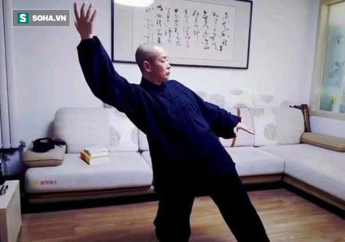 """Đại sư Vịnh Xuân bất ngờ thách đấu, tuyên bố đấm knock-out """"võ sư truyền điện"""" - Ảnh 4."""