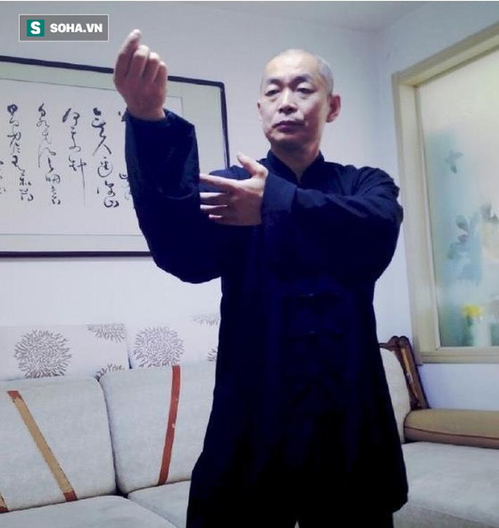"""""""Võ sư truyền điện khiến võ lâm Trung Quốc choáng váng vì làm trò hề với Từ Hiểu Đông - Ảnh 1."""