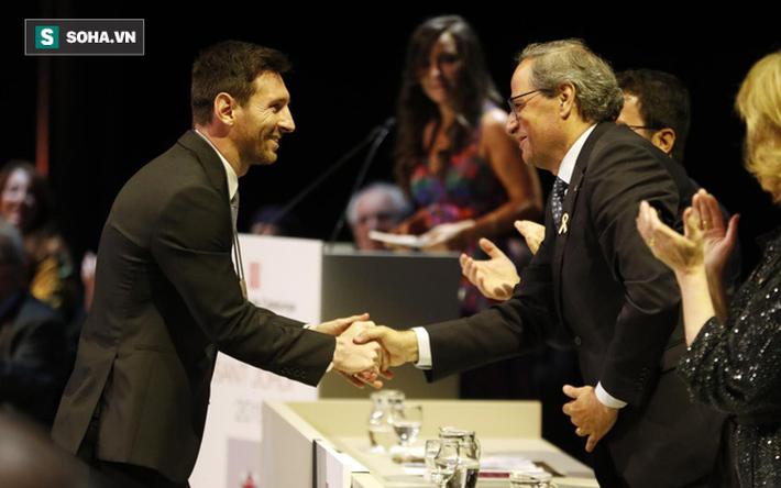 Messi rửa sạch mảng quá khứ ô nhục bằng cây Thập tự Thánh Jordi - Ảnh 1.