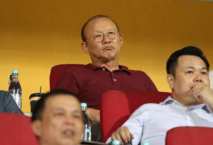 Cầu thủ Việt kiều Martin Lo lọt mắt xanh thầy Park, có gì hay? - Ảnh 2.