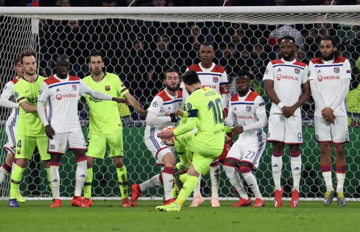Quên Ronaldo đi, bởi ngay cả thành trì cuối cùng cũng đã bị Messi cướp mất - Ảnh 3.