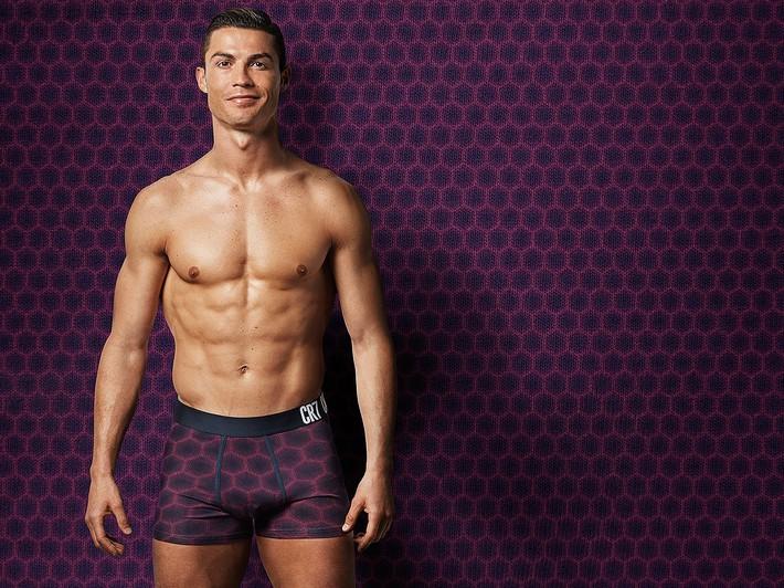 Không nhất thiết phải ghi bàn, chỉ cần đăng một bức ảnh Ronaldo đã khiến cư dân mạng điên đảo như thế này đây - Ảnh 5.