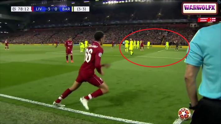 Cận cảnh quả đá phạt góc thiên tài của Liverpool khiến Messi thẫn thờ, uất hận - Ảnh 2.