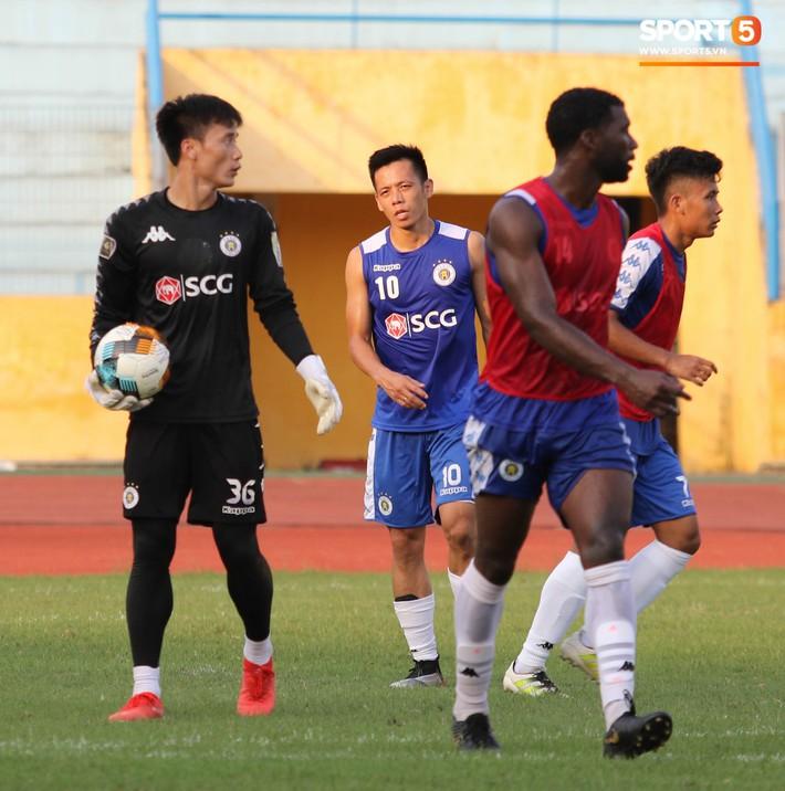 Quang Hải bị quá tải sau Kings Cup, được HLV trưởng Hà Nội FC đặc cách khi về tới Việt Nam - Ảnh 1.