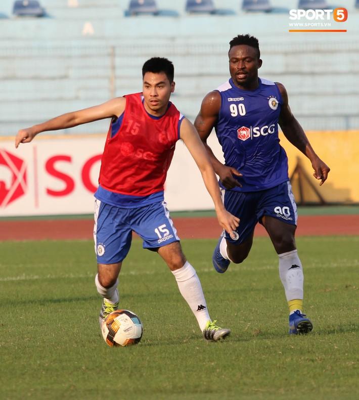 Quang Hải bị quá tải sau Kings Cup, được HLV trưởng Hà Nội FC đặc cách khi về tới Việt Nam - Ảnh 16.