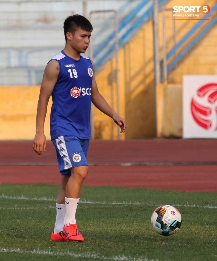 Quang Hải bị quá tải sau Kings Cup, được HLV trưởng Hà Nội FC đặc cách khi về tới Việt Nam - Ảnh 4.