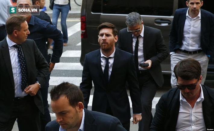 """Lionel Messi dùng """"lực lượng đặc biệt"""" cộm cán và máu lạnh trị giang hồ hiểm ác - Ảnh 5."""