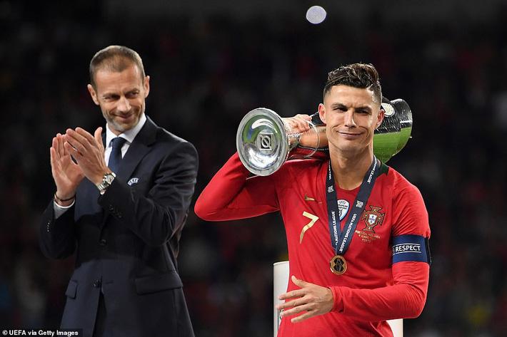 Messi, Ronaldo hay Virgil van Dijk sẽ giành Quả bóng Vàng 2019? - Ảnh 2.