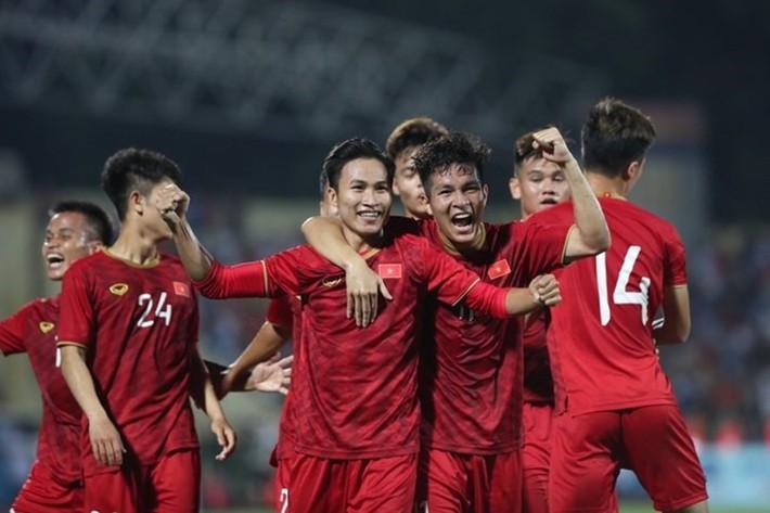 Tuyển Việt Nam lỡ giao hữu Nigeria, VFF tập trung U23 Việt Nam - Ảnh 2.