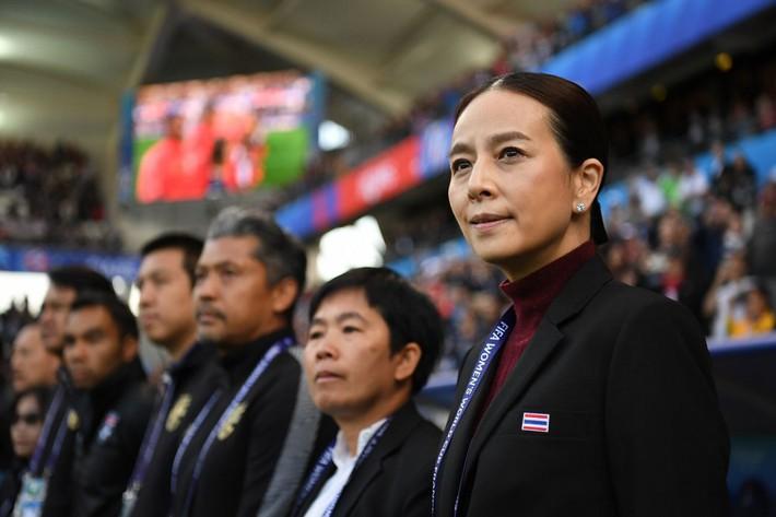 Thua đậm nhất lịch sử World Cup, cầu thủ nữ Thái Lan hoảng loạn và khóc nhiều - Ảnh 1.