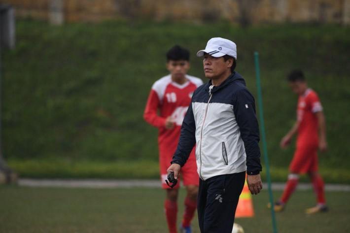 CLB Viettel bác tin đồn sa thải HLV Hàn Quốc Lee Heung-sil - Ảnh 1.