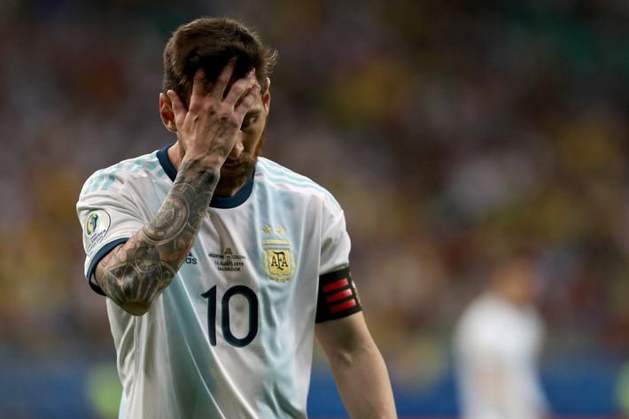 Cặp đôi vàng của châu Á: 21 tuổi khóc hận vì Quang Hải, 22 tuổi dồn Messi vào đường cùng - Ảnh 5.