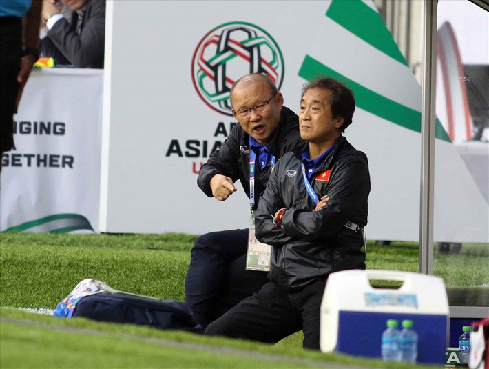 Thầy Park ngắm hai cầu thủ tuyển Việt Nam bổ sung cho lứa U23 dự SEA Games - Ảnh 2.