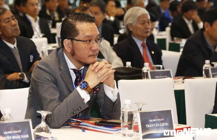 Chấp thuận cho Phó Chủ tịch Cấn Văn Nghĩa từ chức là cơ hội sửa sai của VFF - Ảnh 1.