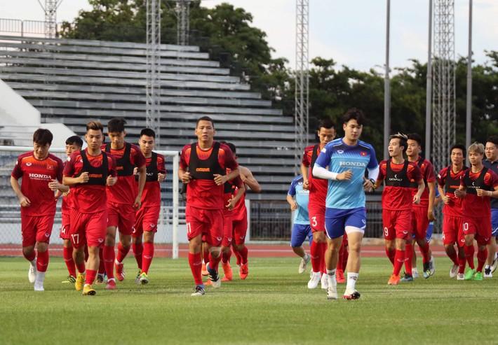 Công Phượng trầm lắng trong ngày hợp thành bộ tứ sành điệu ở đội tuyển Việt Nam - Ảnh 2.