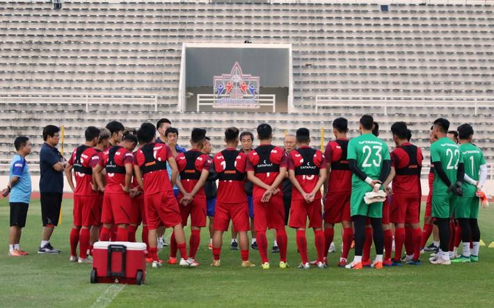 Công Phượng trầm lắng trong ngày hợp thành bộ tứ sành điệu ở đội tuyển Việt Nam - Ảnh 1.