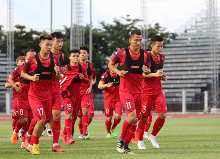 Công Phượng trầm lắng trong ngày hợp thành bộ tứ sành điệu ở đội tuyển Việt Nam - Ảnh 5.