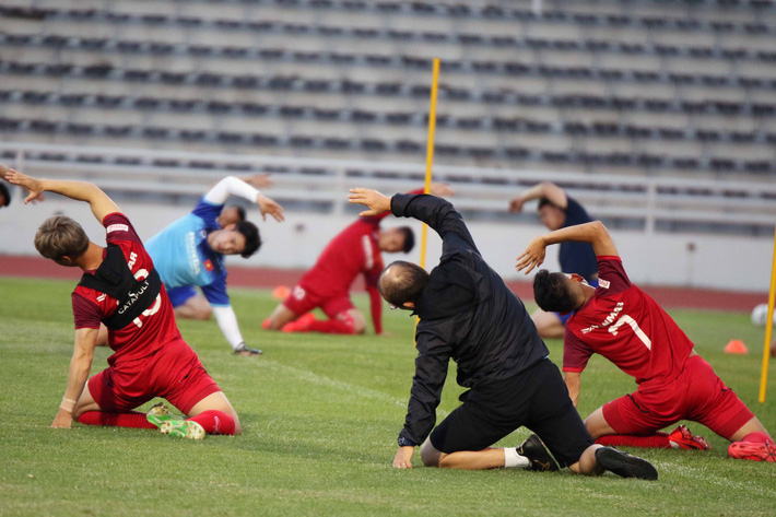 Công Phượng trầm lắng trong ngày hợp thành bộ tứ sành điệu ở đội tuyển Việt Nam - Ảnh 7.