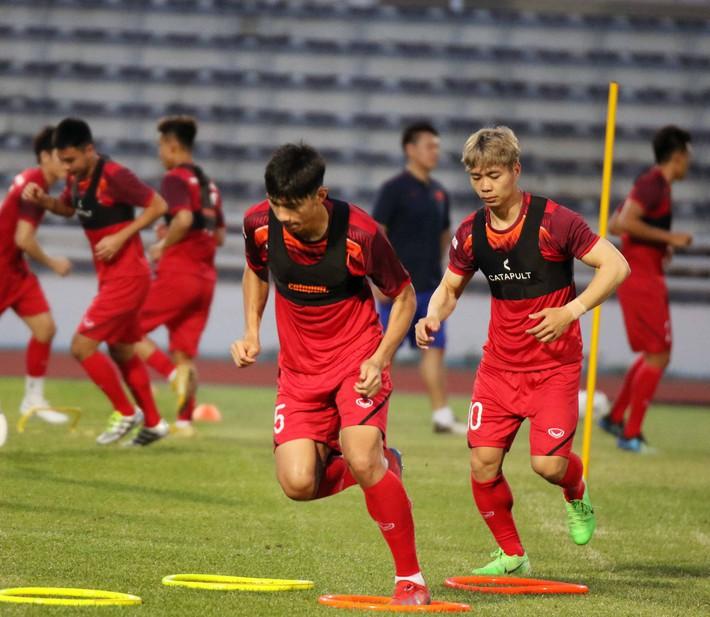 Công Phượng trầm lắng trong ngày hợp thành bộ tứ sành điệu ở đội tuyển Việt Nam - Ảnh 8.