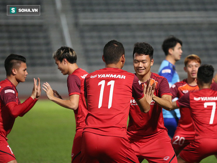Tuyển Việt Nam tập bài lạ, học trò thầy Park cười tươi rói chờ đấu Thái Lan - Ảnh 5.