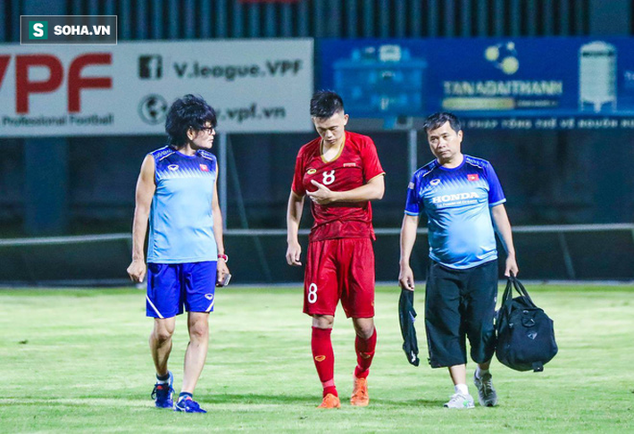 Đội trưởng U22 Việt Nam nhập viện, đồng đội hài lòng với chiến thắng trước đàn em U18 - Ảnh 2.