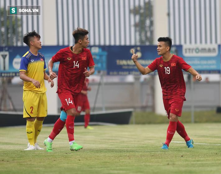Đội trưởng U22 Việt Nam nhập viện, đồng đội hài lòng với chiến thắng trước đàn em U18 - Ảnh 1.