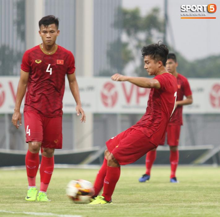 Đánh bại U18 Việt Nam, HLV Park Hang-seo phát hiện nhân tố thay thế Đình Trọng tại SEA Games - Ảnh 10.