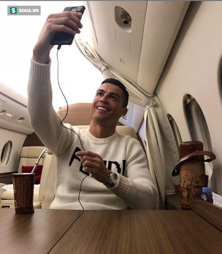 """Ronaldo trốn thuế máy bay, lĩnh ngay 2 năm """"bóc lịch""""? - Ảnh 1."""