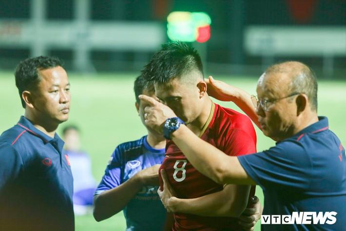 Tuyển Việt Nam: 1 năm vòng loại World Cup khó hơn cả tháng đá Asian Cup - Ảnh 1.