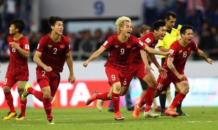 Tuyển Việt Nam: 1 năm vòng loại World Cup khó hơn cả tháng đá Asian Cup - Ảnh 2.