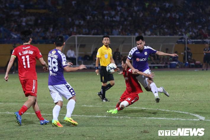 Vòng 17 V-League 2019: Hà Nội FC đòi lại ngôi đầu, HAGL thoát hiểm? - Ảnh 1.