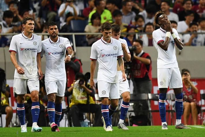 Sai lầm của đồng đội mới khiến trai đẹp Griezmann ra mắt bằng trận thua đau đớn trước Chelsea - Ảnh 3.