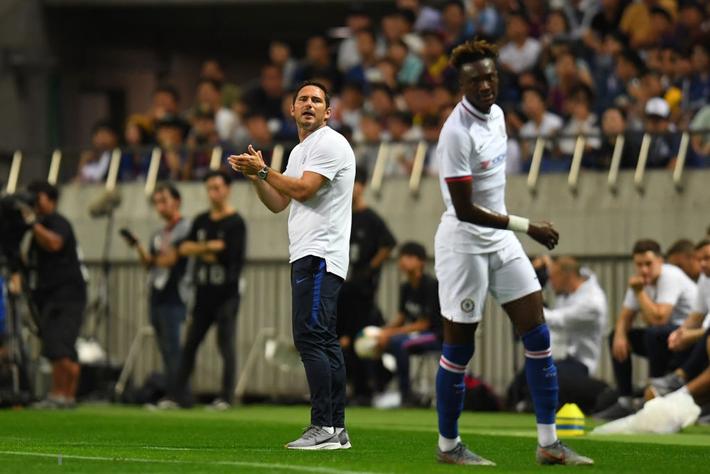 Sai lầm của đồng đội mới khiến trai đẹp Griezmann ra mắt bằng trận thua đau đớn trước Chelsea - Ảnh 7.