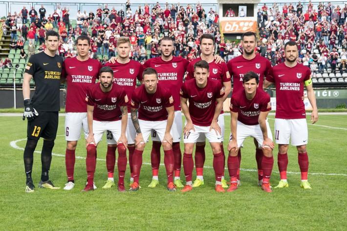 Đội bóng của ông chủ người Việt Nam không được đá trên sân nhà tại Europa League - Ảnh 1.