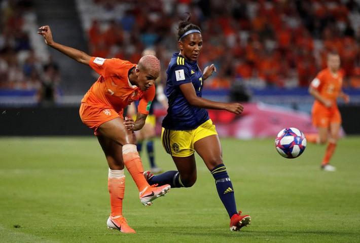 Clip: Hà Lan vào chung kết World Cup nữ nhờ bàn thắng vàng - Ảnh 6.