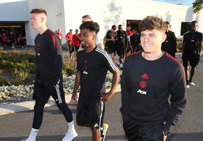 Cầu thủ MU choáng váng với chàng tân binh 21 tuổi - Ảnh 1.