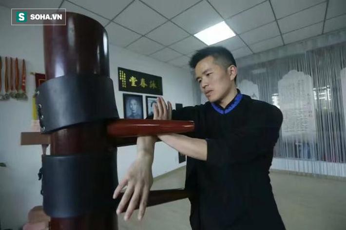 """""""Cao thủ"""" Vịnh Xuân bị mỉa mai thậm tệ sau trận đòn ngớ ngẩn hiếm có ở Trung Quốc - Ảnh 2."""