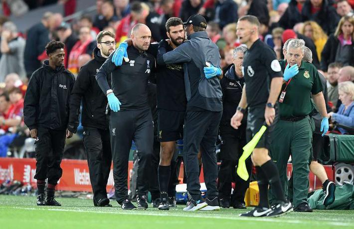 Klopp tái mặt, Liverpool mất thủ môn Alisson 6 tuần vì chấn thương - Ảnh 2.