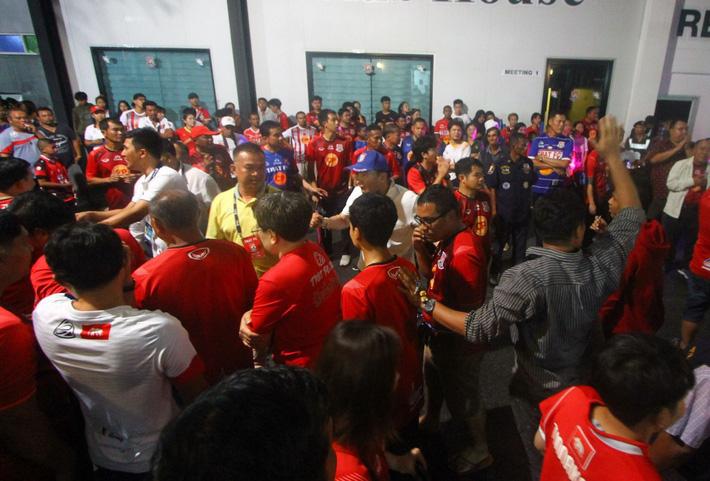 Thai League có biến lớn, xảy ra scandal từng là nỗi hổ thẹn của V.League - Ảnh 11.