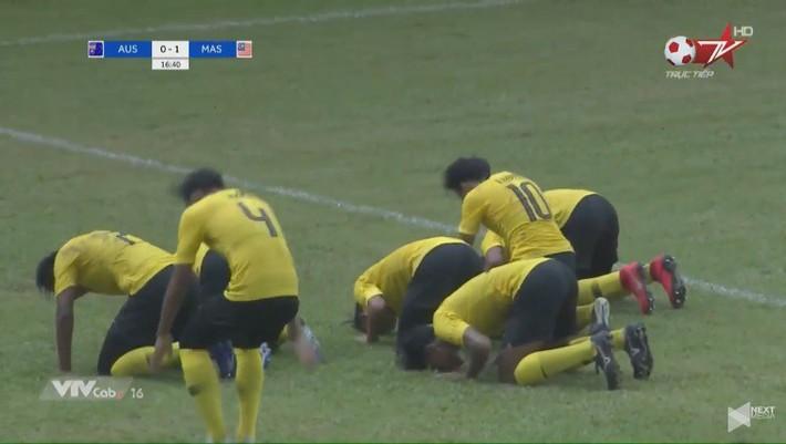 Malaysia đẩy Việt Nam vào nguy cơ bị loại sớm sau màn trình diễn khó tin trước Australia - Ảnh 1.