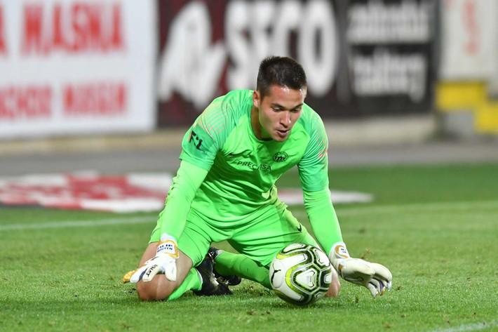 Thi đấu xuất sắc, thủ môn Filip Nguyễn được khen ngợi có thể đến Chelsea - Ảnh 2.