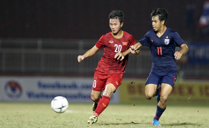 U18 Việt Nam: Quên Thái Lan đi, hãy đứng dậy trước khi quá muộn - Ảnh 1.