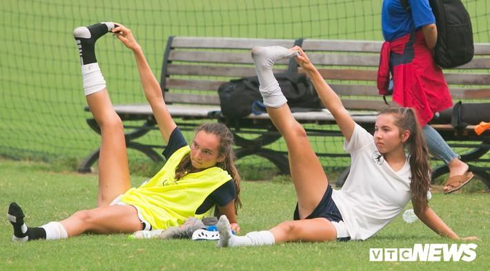 Bộ đôi cầu thủ Việt kiều toả sáng trong buổi tập cùng U19 Việt Nam - Ảnh 13.