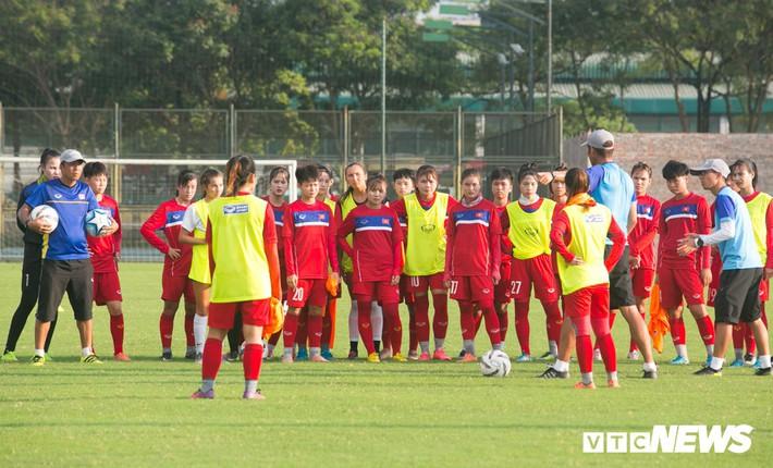 Bộ đôi cầu thủ Việt kiều toả sáng trong buổi tập cùng U19 Việt Nam - Ảnh 15.