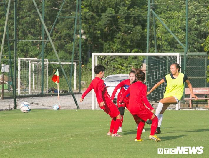 Bộ đôi cầu thủ Việt kiều toả sáng trong buổi tập cùng U19 Việt Nam - Ảnh 5.