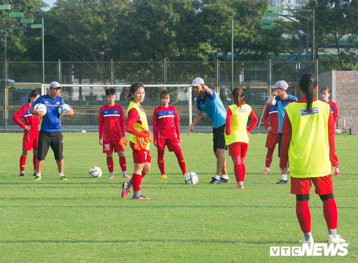 Bộ đôi cầu thủ Việt kiều toả sáng trong buổi tập cùng U19 Việt Nam - Ảnh 7.