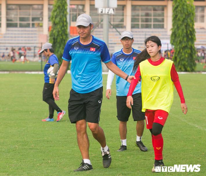 Bộ đôi cầu thủ Việt kiều toả sáng trong buổi tập cùng U19 Việt Nam - Ảnh 8.
